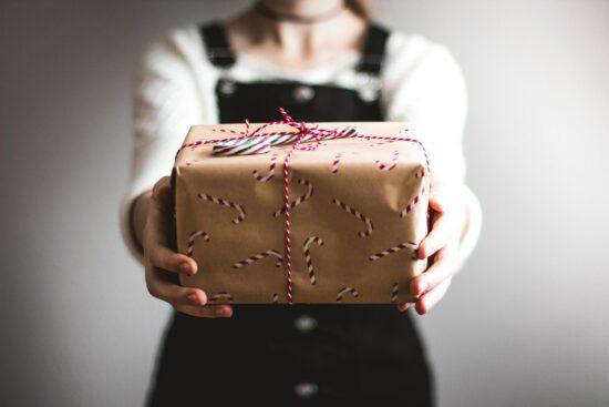 Paket zum Aufmachen